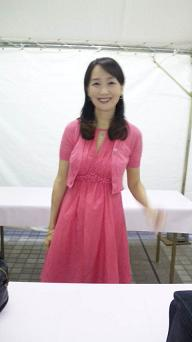 20091001-pinkribbonagnes far.JPG